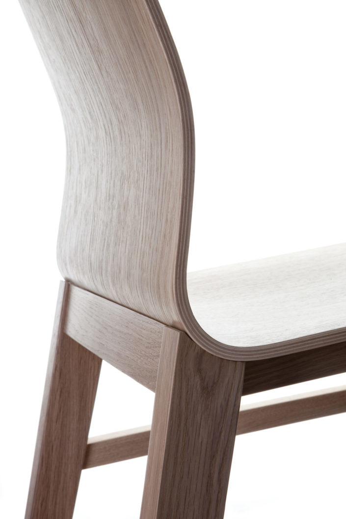 fotografia krzeseł dla PAGED Meble