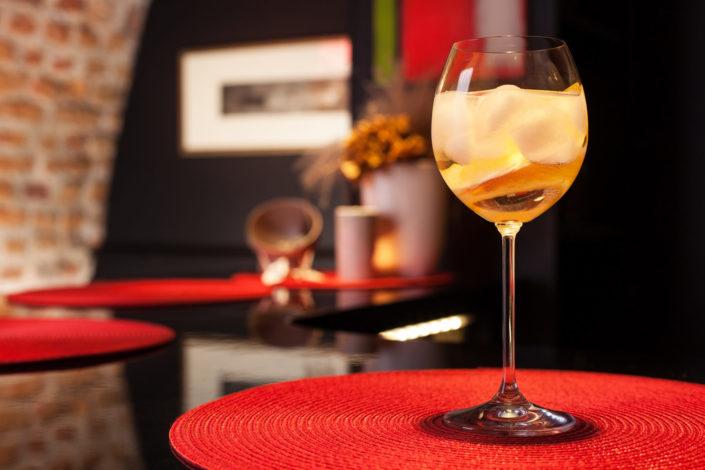 drinki w barze restauracji japońskiej
